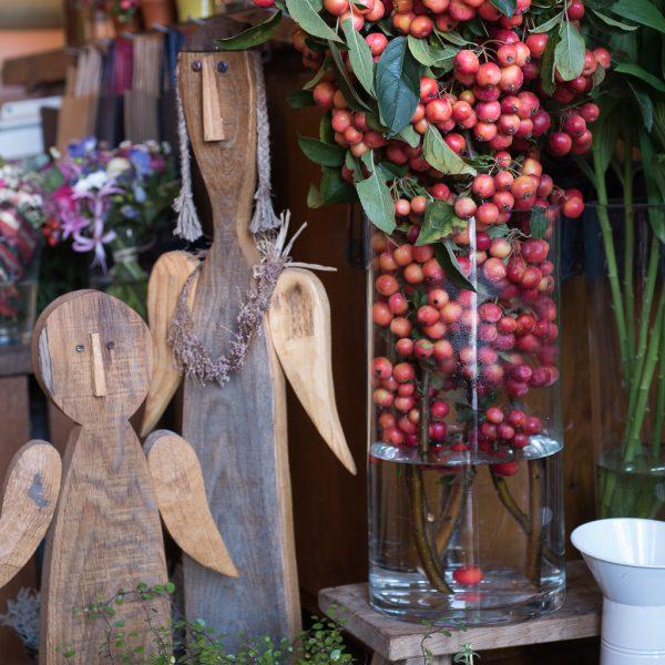 malus apple tree rojaus obuoliukai šakelės skintos gėlės ir manufaktūra