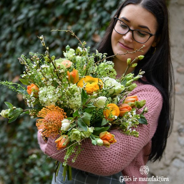 flowers bouquet prenumerata pavasarinė puokštė gėlės ir manufaktūra