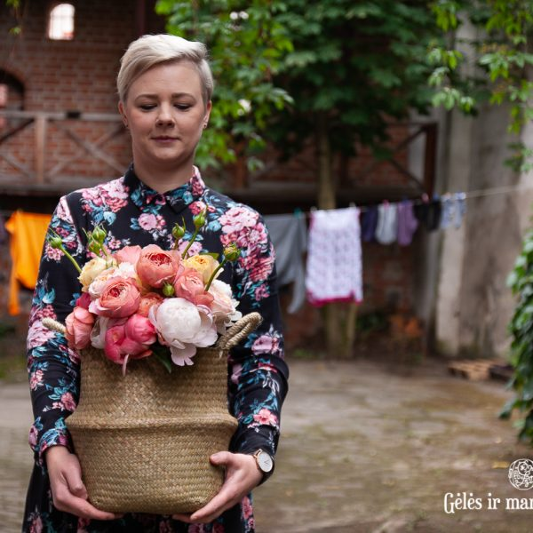 bridal bouquet roses peony paeonia rosa nuotakos puokste gėlės ir manufaktūra