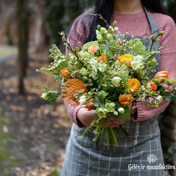 orange flowers bouquet spring oranžinė pavasarinė puokštė gėlės ir manufaktūra