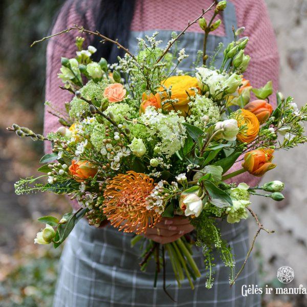orange flowers bouquet spring oranžinė pavasarinė puokštė gėlės ir manufaktūra (