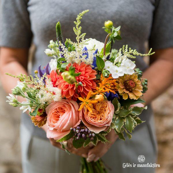 oses bouquet bridal nuotakos puokštė rosa rožės bijūninės beehive peach orange gėlės ir manufaktūra flowers