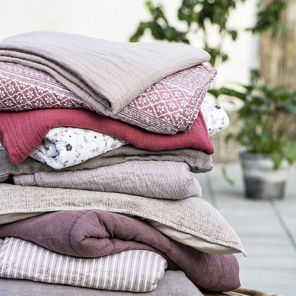 cushion malva vintage velvet velour quilt lovatiese dygsniuota gėlės ir manufaktūra iblaursen 6230-52