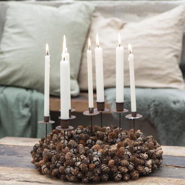 candle taper plona žvakė žvakelė kremine cream gėlės ir manufaktura iblaursen nestandartinė žvakutė balta