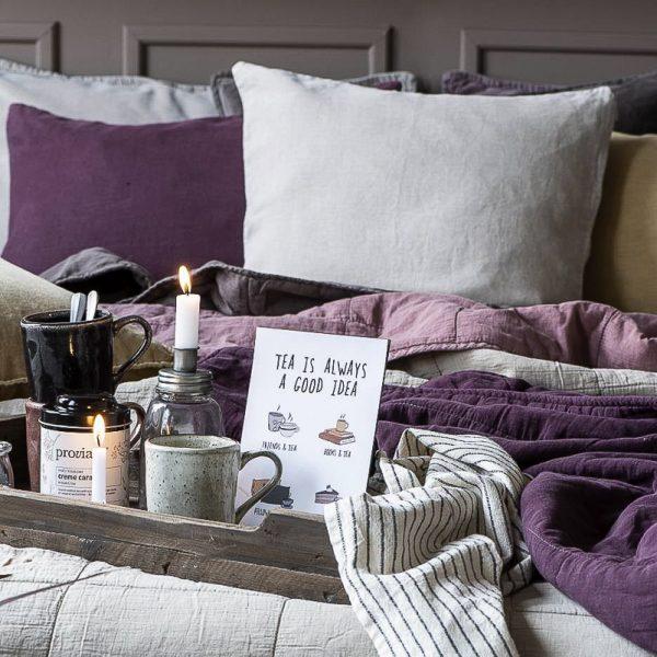 cushion cover beige aubergine pagalvės pagalvėlės užvalkaliukas garstyčių geltonos flowers spalvos mustard gėlės ir manufaktūra 6230-03 iblaursen užvalkalas magenta