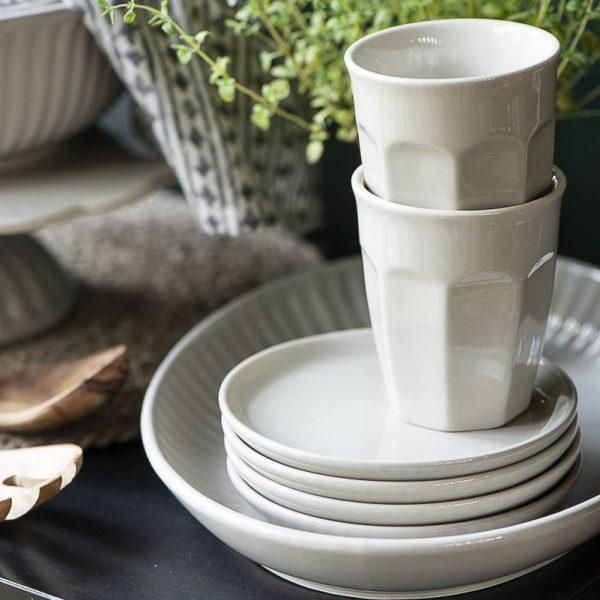 mug caffe latte mynte butter cream kavos puodelis kreminis baltas spalvos gėlės ir manufaktūra iblaursen 2042
