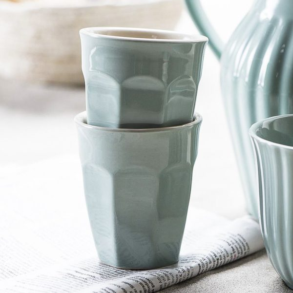 mug caffe latte mynte kavos puodelis žalsvas žalsvos green tea spalvos gėlės ir manufaktūra iblaursen 2042