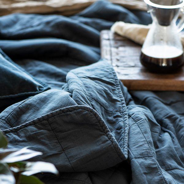 quilt bedspread double throw historical blue mėlynos spalvos lovatiesė staltiesė gėlės ir manufaktūra mėlynas 6209-69 iblaursen užtiesalas pledas