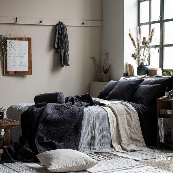 quilt bedspread throw sendinta dygsniuota blukintos spalvos lovatiesė gėlės ir manufaktūra smėlio kreminė 6208-44 iblaursen užtiesalas pledas fog vintage