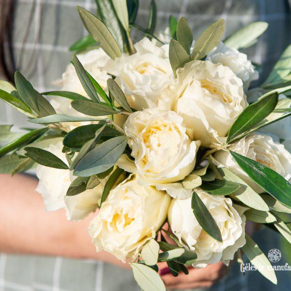 baltos rožės nuotakos puokštė david austin bridal roses bouquet patience gėlės ir manufaktūra