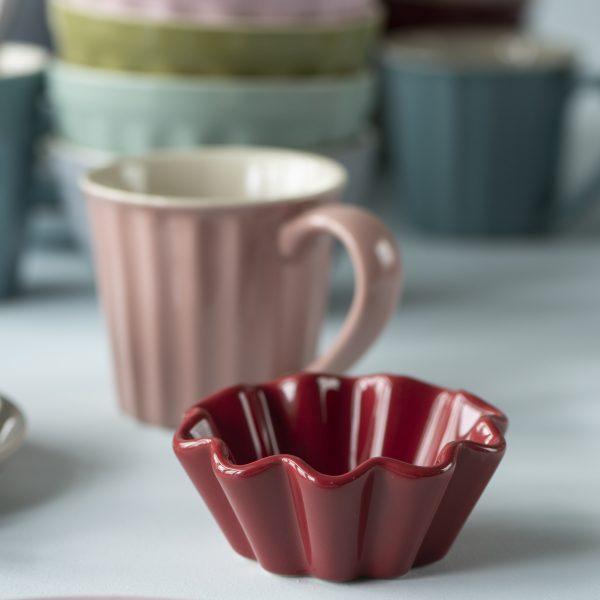 cup cake indelis uogienei pyrageliui Mynte Strawberry braškių red ryškiai raudonas gėlės ir manufaktūra iblaursen