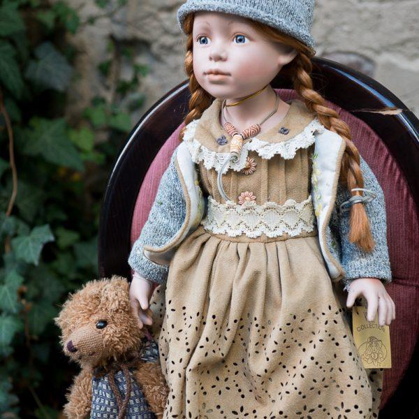 porcelianinė rankų darbo vardinė kolekcinė lėlė gėlės ir manufaktūra adeles puppenhaus porcelain doll